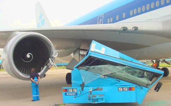 http://www.airflights.to/Airlines/Europe/Netherlands/KLM-flights/KLM-accident.jpg